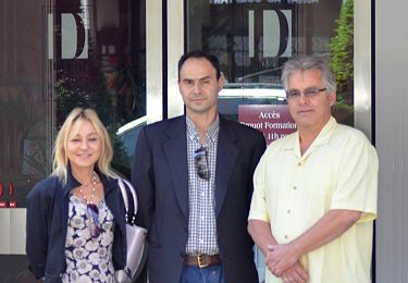 Muriel Eymery, Gaëtan Warin and Don Willis in front of Drouot's main entrance