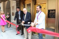 Stack's Bowers Unveils NYC Gold to Go ATM and Launch Limited-Editition Bison Medal at Grand Reopening