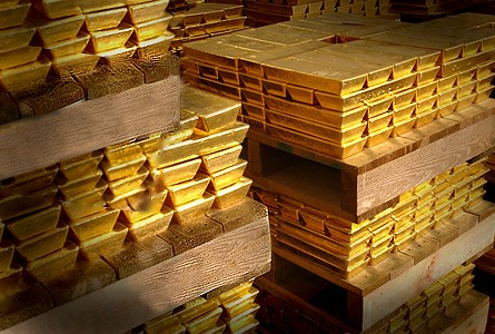 bulliion reserve Patience Thin for Gold Investors on Worst Price Drop in 9 Months, ETF Liquidation