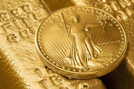 gold coin bar Gold Loses $1 Trillion of Total Global Value, Could Fall to $1050