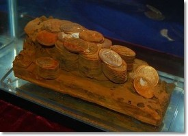ship of gold coins 275x199 Ship of Gold on Display by Monaco Rare Coins at Long Beach Expo. VIDEO: 3:37