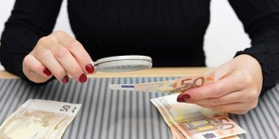 Euro Banknote Counterfeiting Declines Slightly 2nd Half 2015