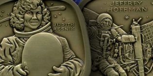 Two Heroic Astronauts Featured on 2016 Jewish-American Hall of Fame Medal