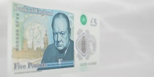 World Banknote News – New British 5 Pound Note Issued Today
