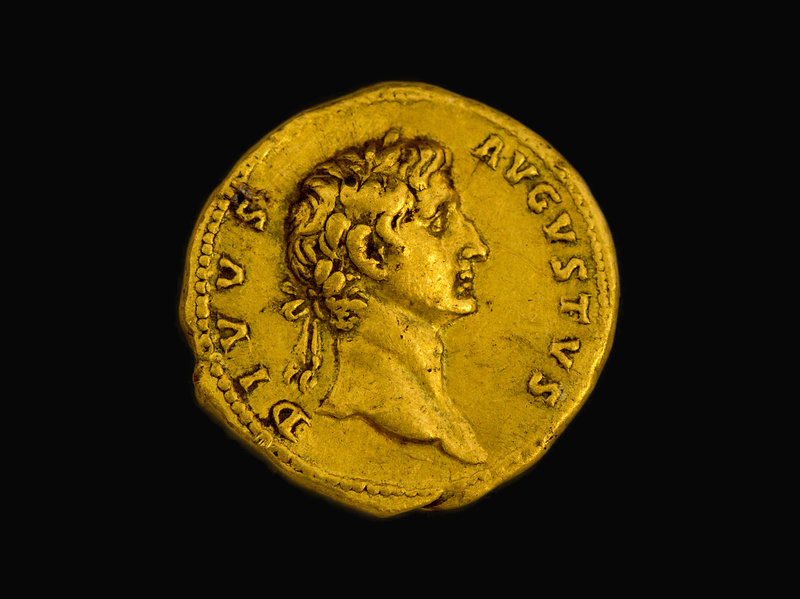 Roman Imperial, 107 CE - Augustus commemorative gold aureus, obverse. Images courtesy Israel Antiquities Authority