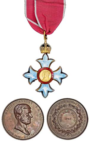 Dr Harold King medal. Images courtesy Spink and Son.