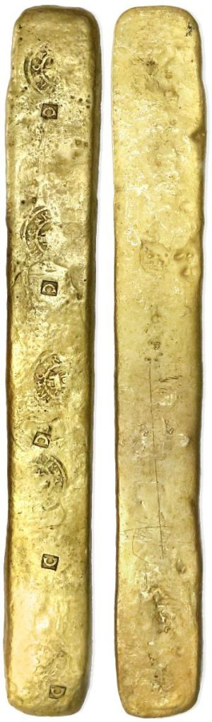 "A complete gold ""strap"" ingot, front and back. Images courtesy Daniel Frank Sedwick LLC"